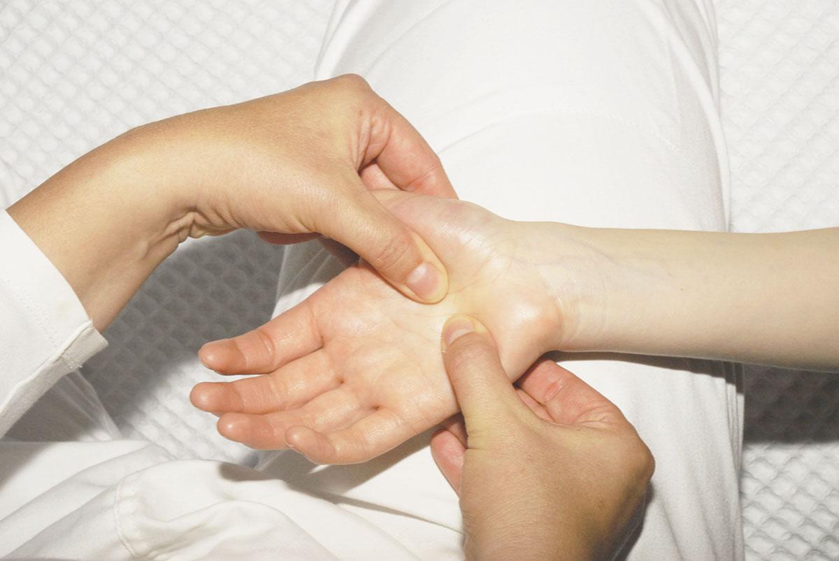 intro_hand